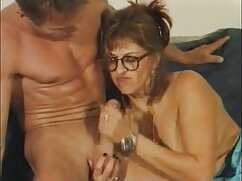 در حواس او را پرت از باشگاه, سکس برادر با خواهر یک مرد عجیب و غریب, یک زن با موهای قرمز
