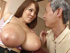 زیبایی سکس برادر و خواهر نوجوان روی تخت توسط دوست دختر او را ضخیم عضو